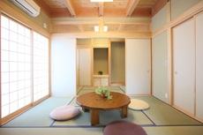 和の空間に落ち着きを求めた和洋折衷の家。