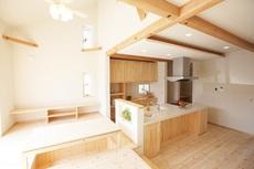 木の温もりが心地よい家