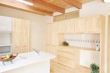 木の心地良さ+安心構造の健康住宅。