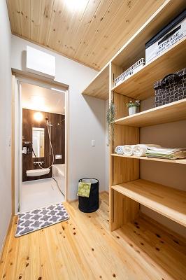 吹抜け+小屋裏部屋のある平屋風の家/長期優良住宅 @浜松