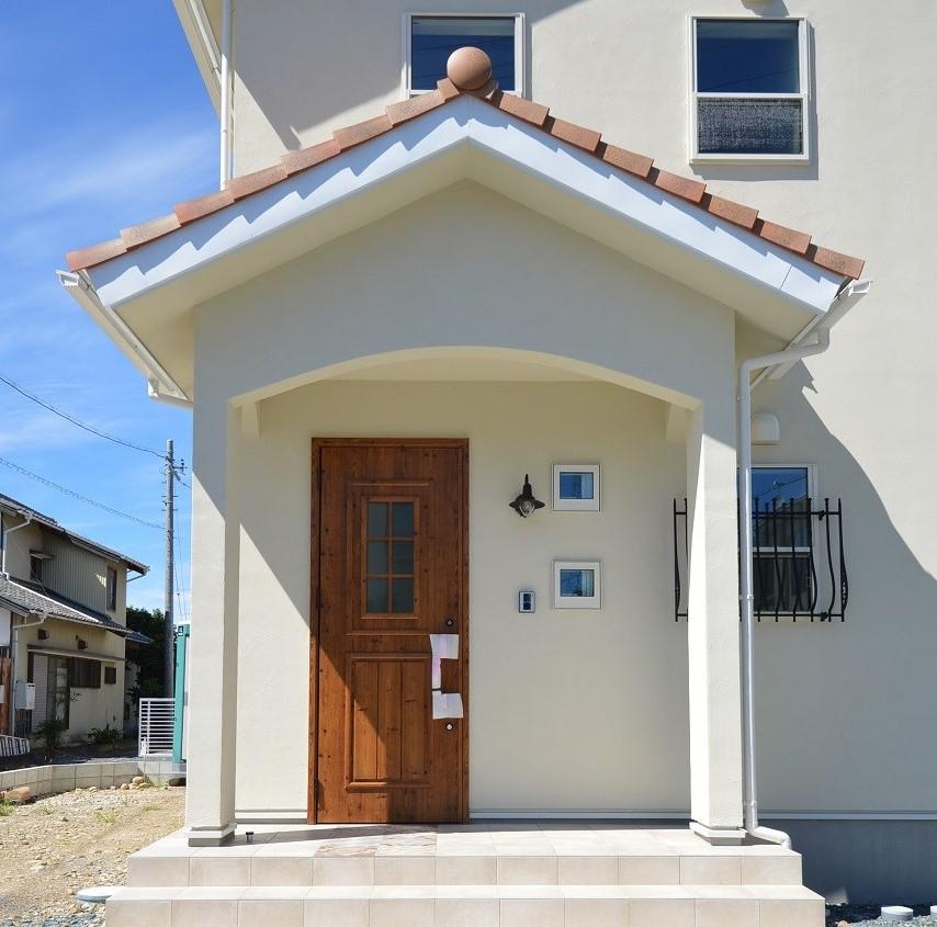 ブルー×白が映える、タイル使いの可愛い家  @浜松市