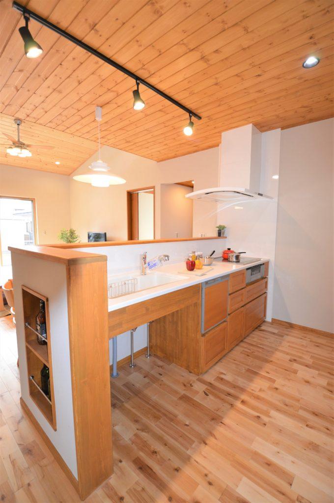 造作キッチン 対面式